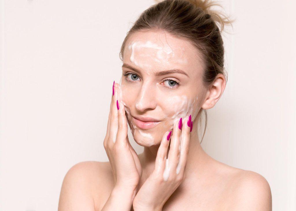 pielęgnacja twarzy demakijaż
